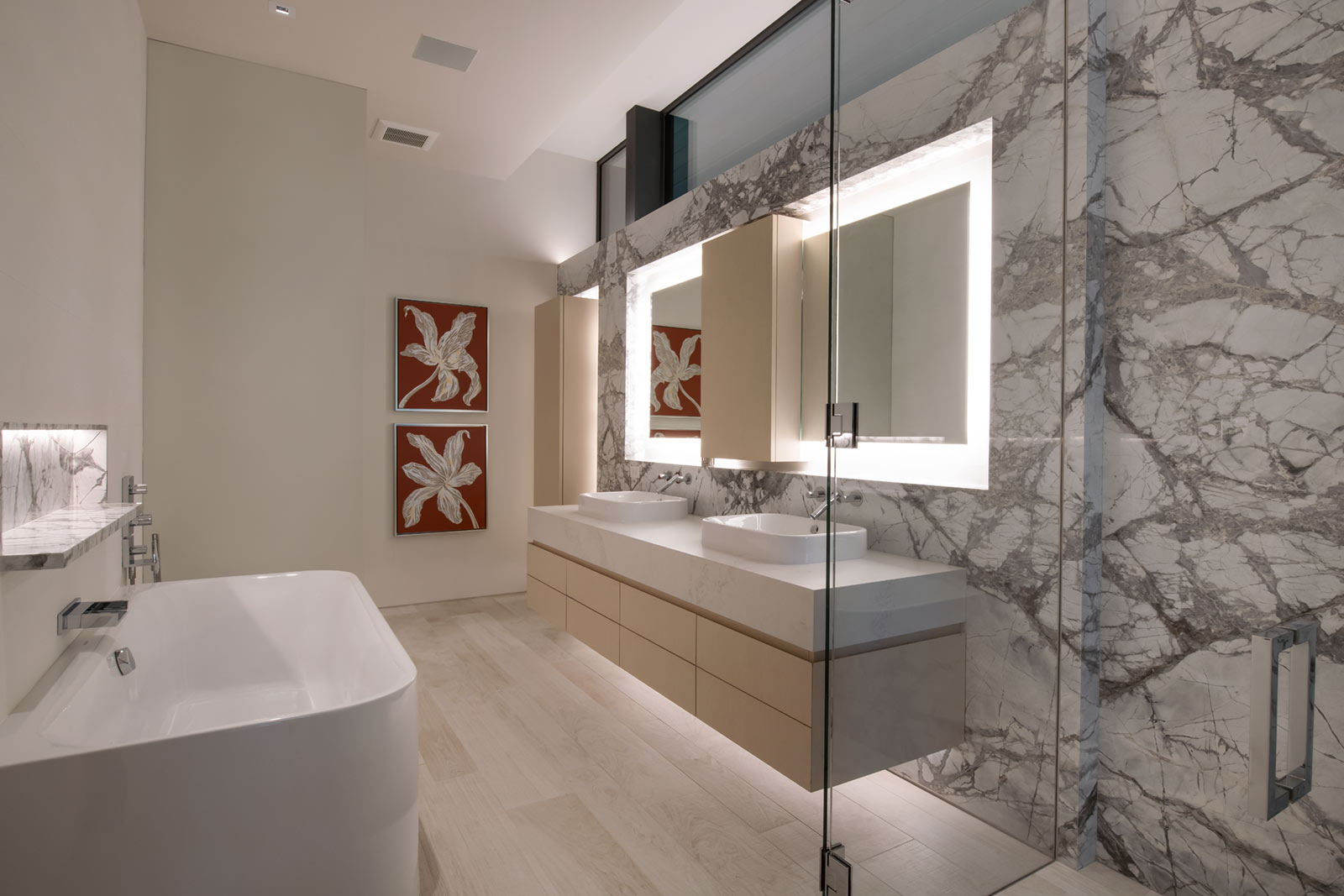 165 FOREST ROAD VAIL COLORADO GUEST BATHROOM 2 ULTRA MODERN