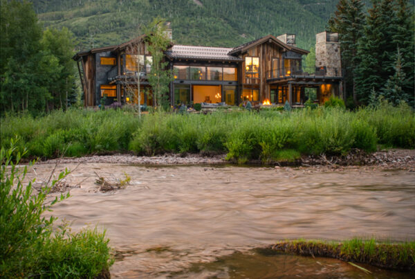 BOOTH-CREEK-RESIDENCE-VAIL-COLORADO-RIVER-VIEW-REAR-EXTERIOR-4